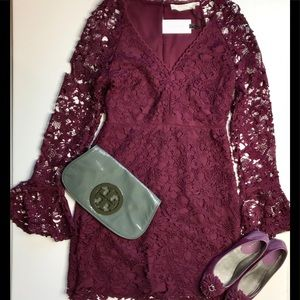 NWT ASTR The Label Lace Bell Sleeve Dress